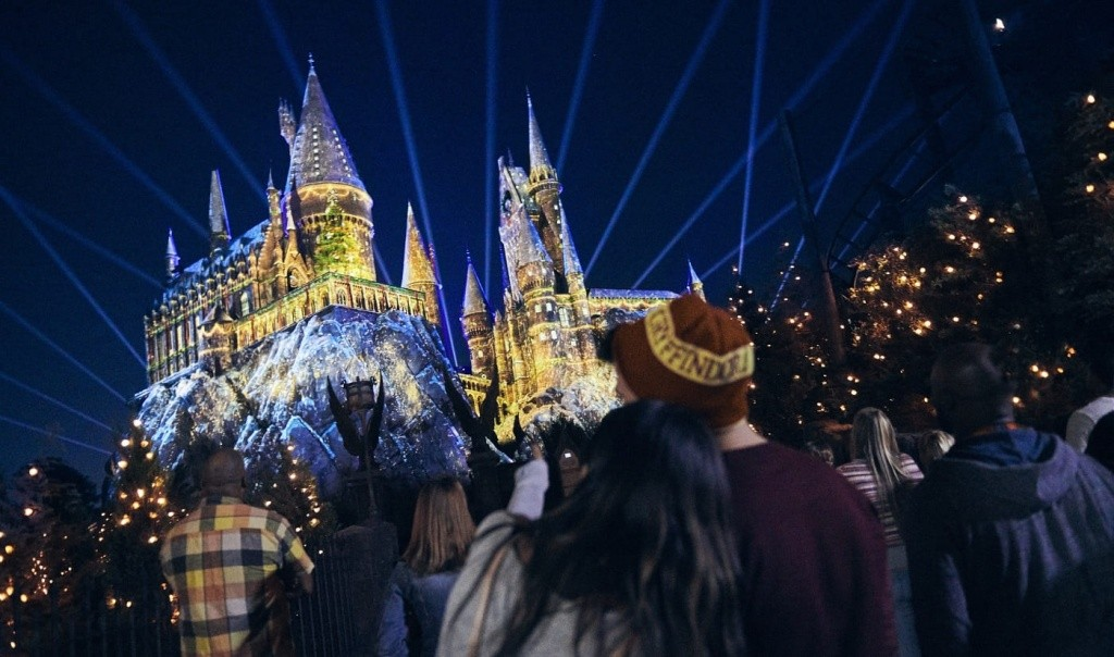 03_christmas-in-the-wizarding-world-of-harry-potter-1