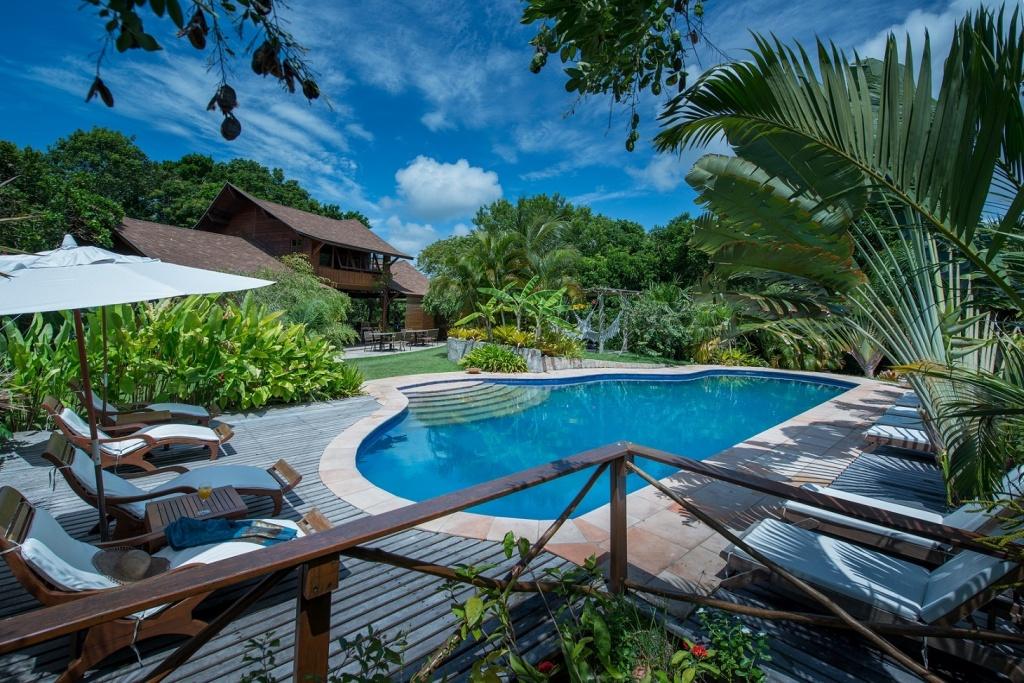 398476_988771_pousada_mangabeiras__piscina_em_meio_a__natureza_exuberante_