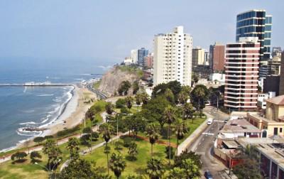 Apesar do trânsito confuso, Lima é uma cidade para ser descoberta aos poucos. Na região beira mar estão excelentes restaurantes, shoppings e um dos lugares mais bonitos da cidade, o Parque del Amor.Foto: Mcveras/Istock/Thinkstock