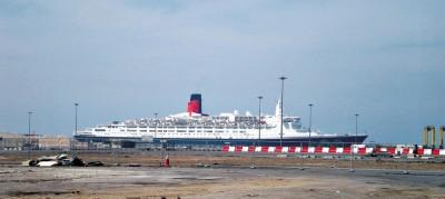 O lendário navio está atracado em Dubai e será transformado em um luxuoso hotel.