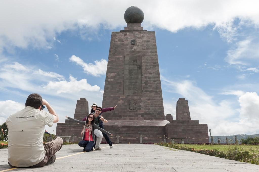 Monumento Metade do Mundo - Quito Turismo