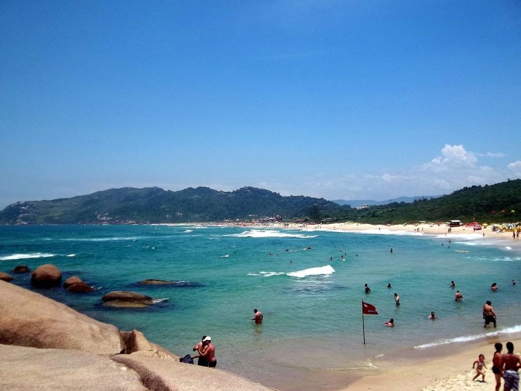 Praia jurere internacional - 1 10