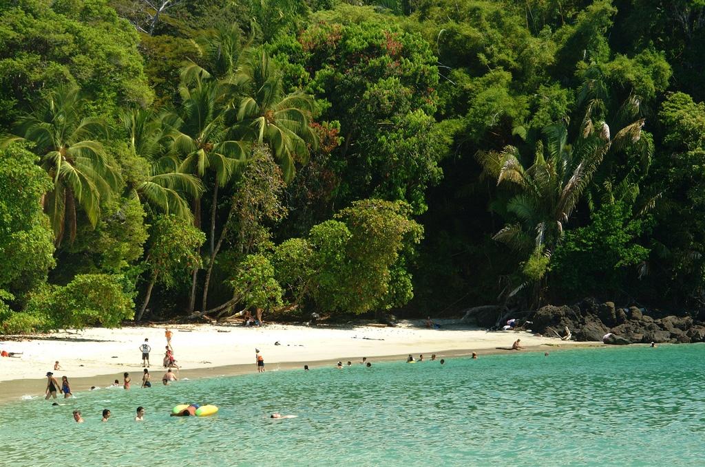Playa Manuel Antonio Dan Nevill flickr