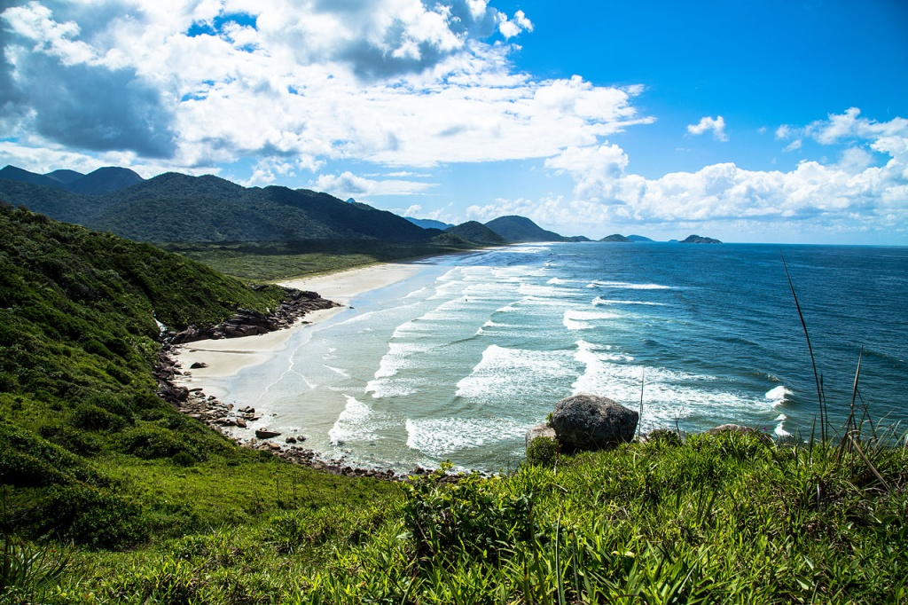 Praia_da_Laje_-_Ilha_do_Cardoso_-_SP commons