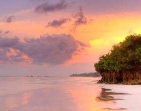 640px-Diani_Beach_Sunrise_Kenya