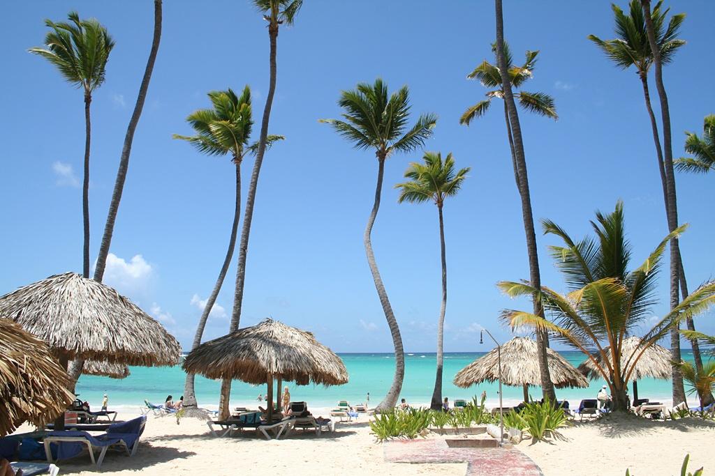 Dominicana-Punta_Cana commons