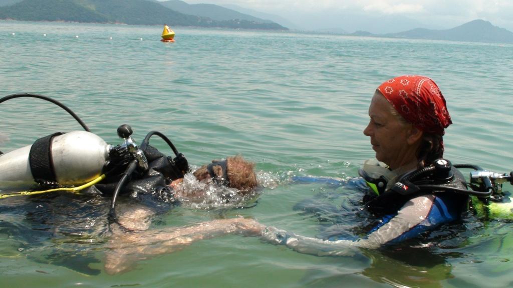 Trilha subaquática no PE Ilha Anchieta - foto - Roberto Sakamoto