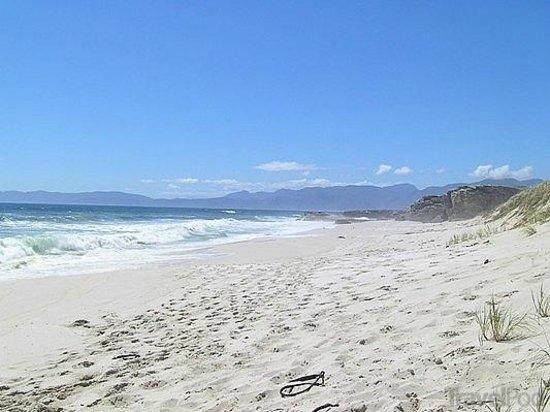 grotto-beach