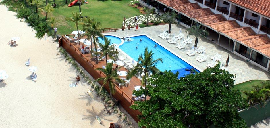 Foto via maresiasbeachhotel.com.br frente para o mar