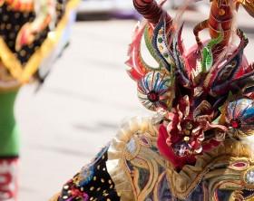 800px-Diablada_-_Carnaval_2009_at_Oruro