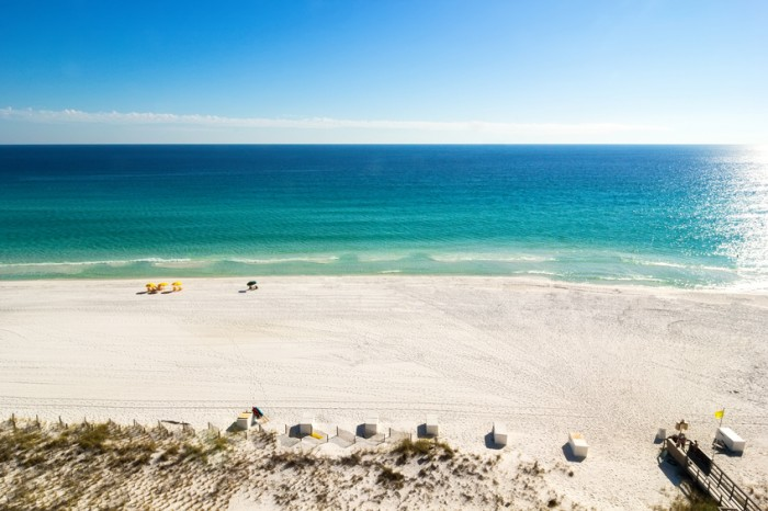 Emerald waters of Miramar Beach in Destin, Florida, USA