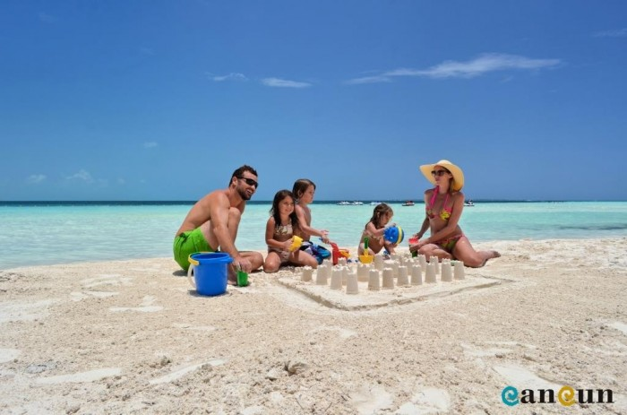 fotogaleria_1352923522-family-cancun-14