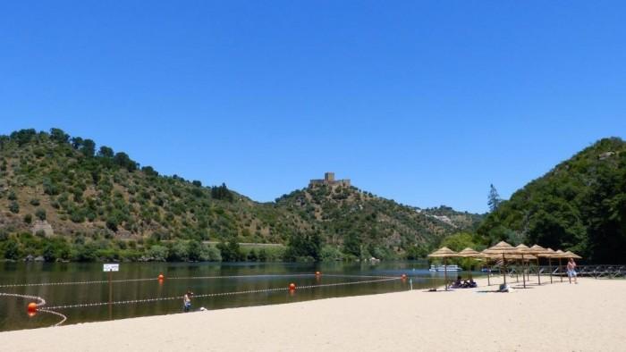1 - Alamal River Club - Praia fluvial e castelo