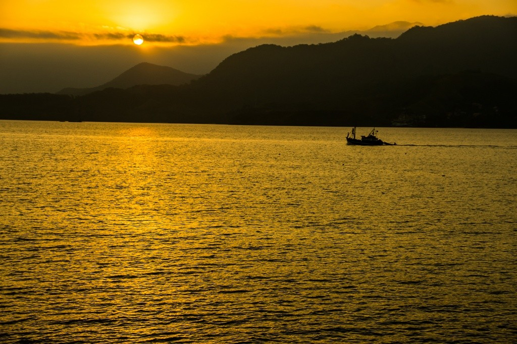 ilhabela-por-do-sol-ilha-das-cabras-foto-adilson-zavarize