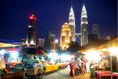 Um oásis dentro da cidade mais movimentada da Malásia, Kampung Baru é uma área à moda antiga inserida em uma metrópole moderna