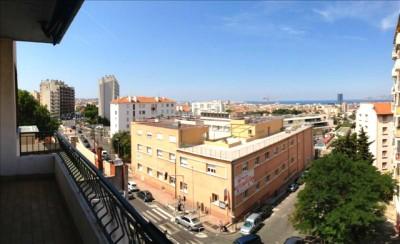 Ganhando espaço por seu multiculturalismo e riqueza história, Chutes-Lavie encontra-se no epicentro da evolução de Marselha, que foi de importante cidade portuária a um hotspot turístico