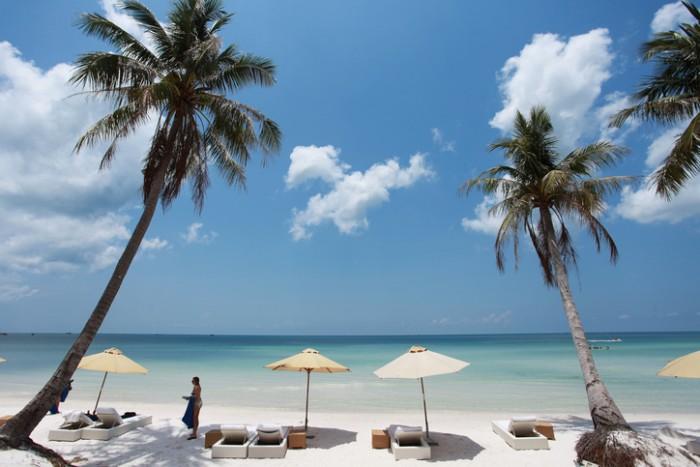 Phu Quoc island, Kien Giang province, Vietnam - May 01 2015: The women is relaxing at Bai Sao beach, the most beautiful beach in Vietnam.
