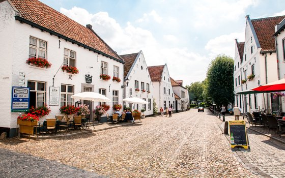 2400_fullimage_street-in-thorn-limburg_560x350