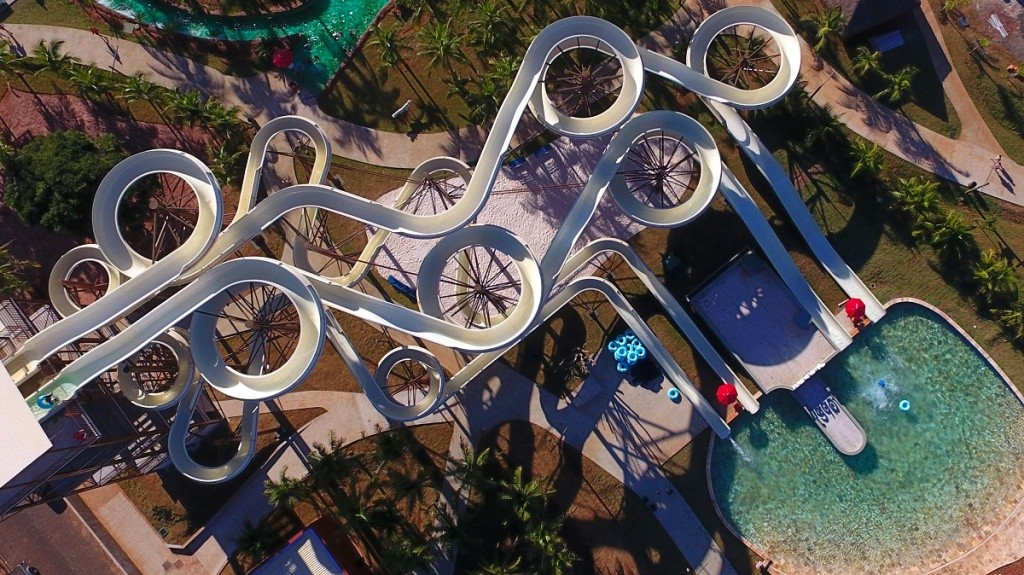 hot-beach-torre-de-toboaguas