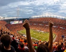 sports-authority-field-fans-foto-visit-denver
