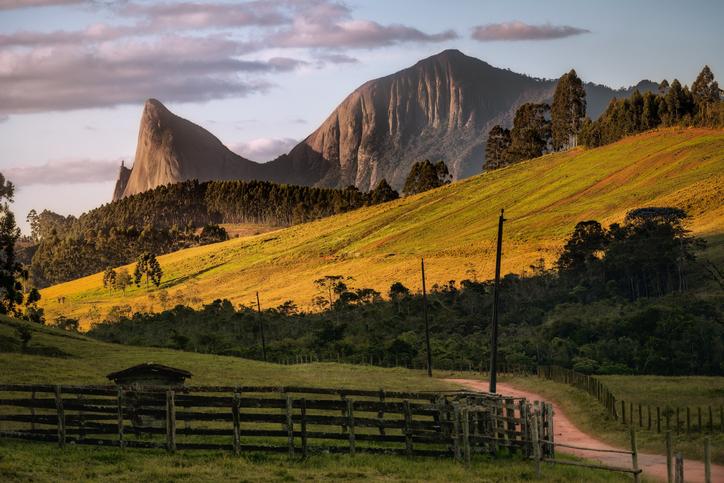 Pedra Azul mountain seen from the Forno Grande region