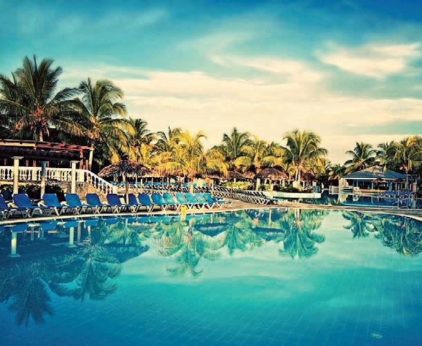 FOTO: PEXELS.COM/PHOTO/CAYO-SANTA-MARIA-CUBA-HOTEL-913177/REPRODUÇÃO