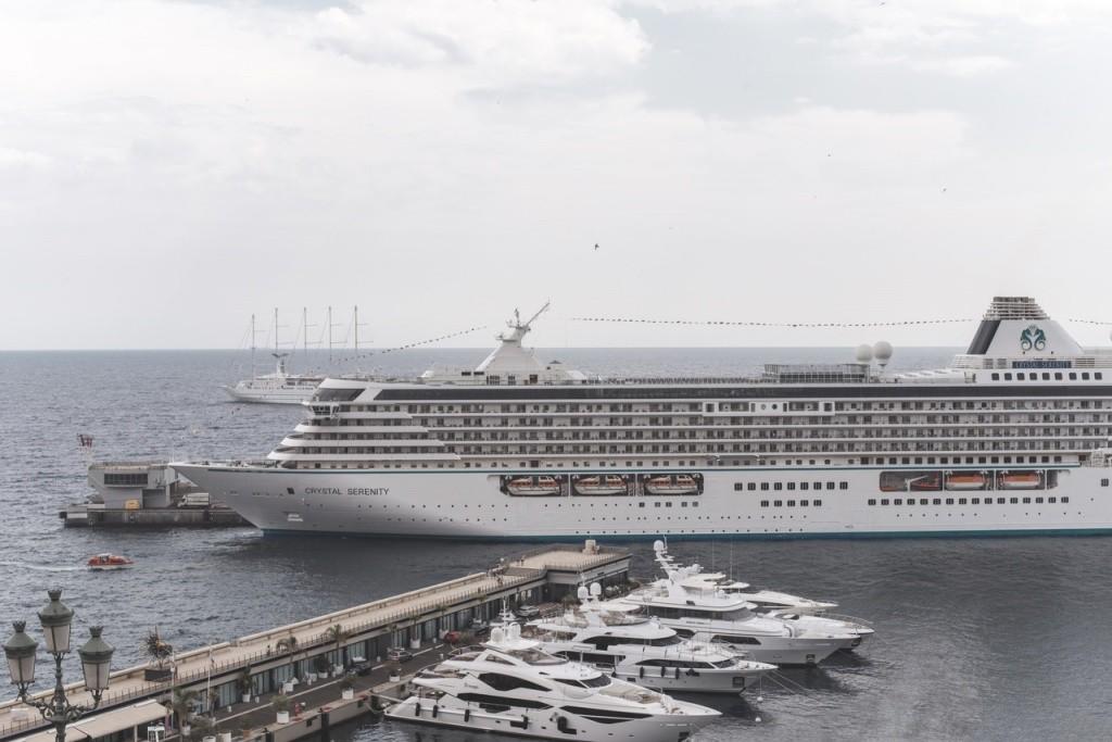 cruzeiro de luxo pelo Mediterrâneo