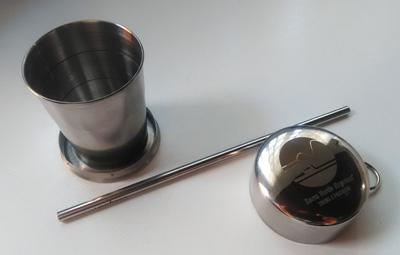 Os turistas que utilizam o trem podem levar seus próprios utensílios para a viagem ou adquirir copos e canudos ecológicos de aço inox na Loja do Trem.