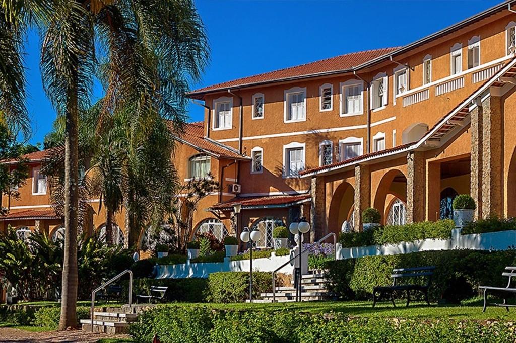 grand-resort-serra-negra-fachada-2-2