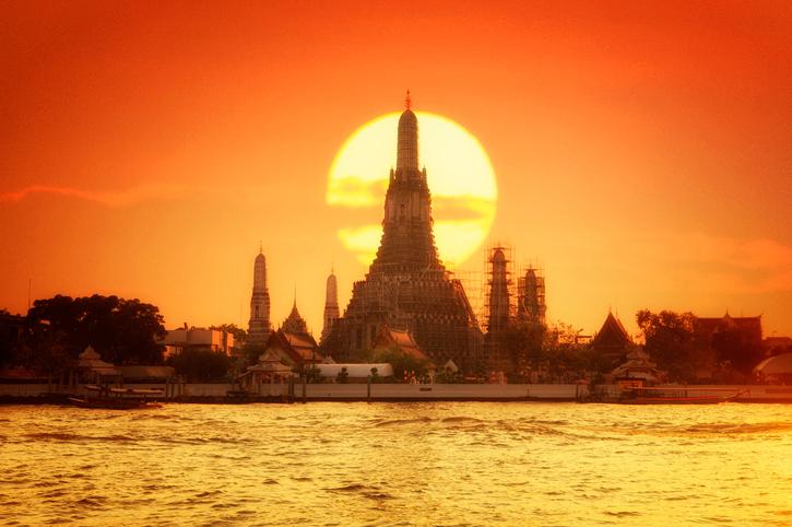 Wat arun in sunset at Bangkok,Thailand