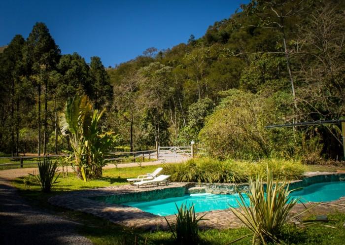 piscina-natural-com-raia-de-25-mts