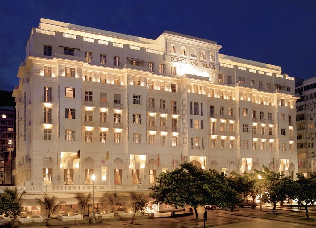 belmond-copacabana-palace-fachada-noite-alta