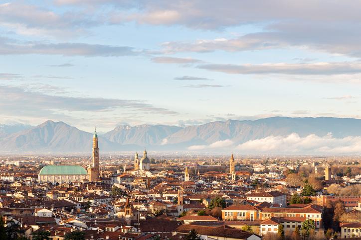 Foto via iStock por Paolo Novello