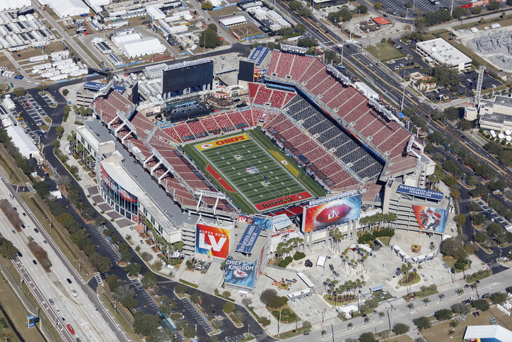 Raymond James Stadium, casa do Tampa Bay Buccaneers. Foto por iStock / 6381380