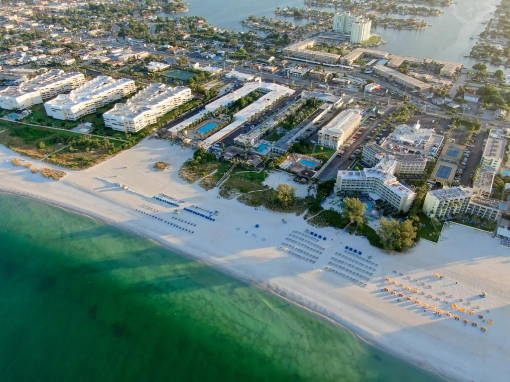 Vista aérea de St. Pete Beach. Foto por iStock / Thomas De Wever