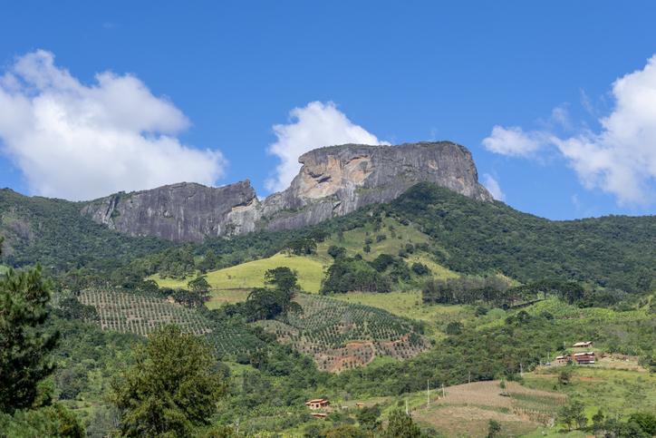 rock formation known as Pedra do Baú, on the border of Campos do Jordão and São Bento do Sapucai